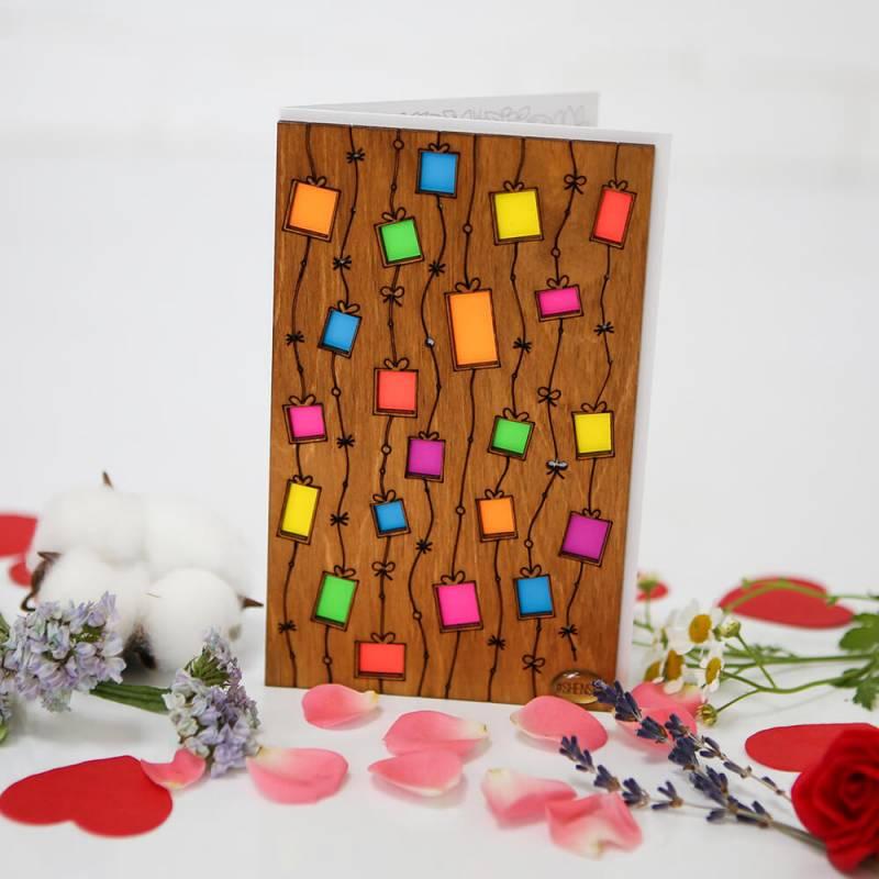 """Деревянная открытка ручной работы """"Подарочки"""" Shense"""