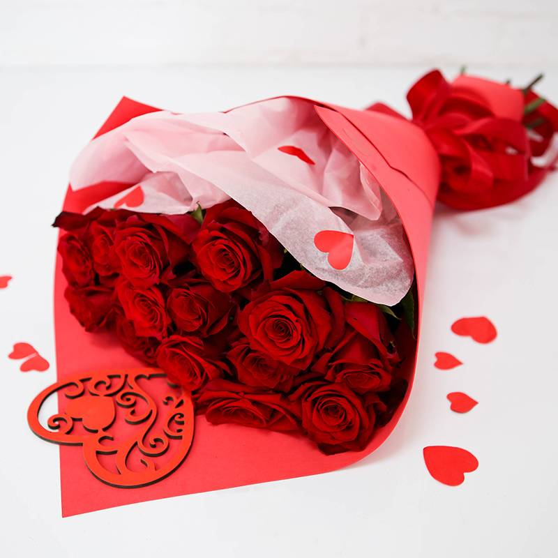 """Букет из 15 алых роз """"Для любимой"""""""