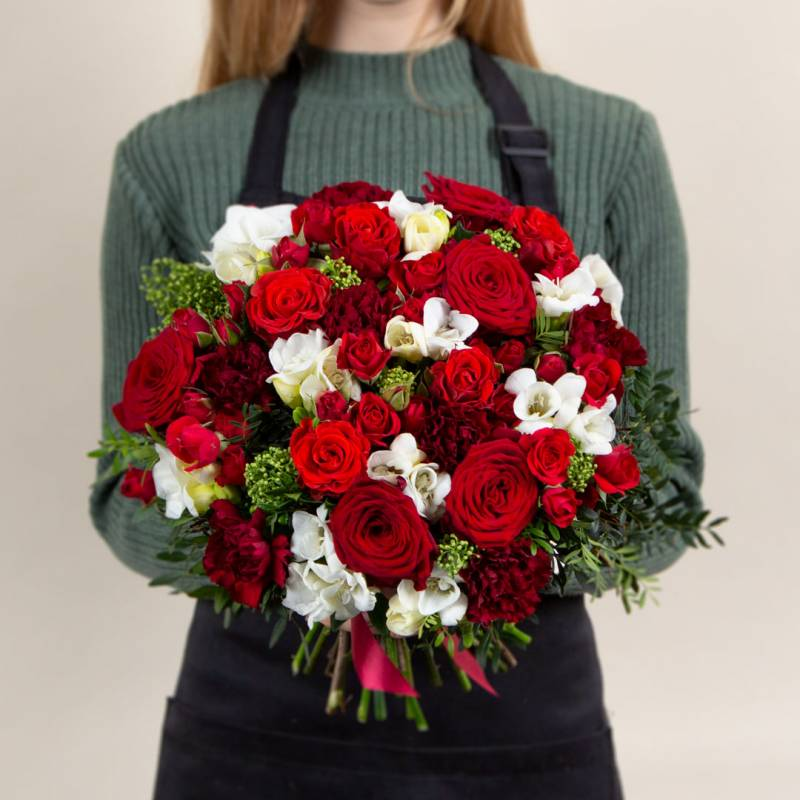 Букет из роз Ред наоми и эль торо