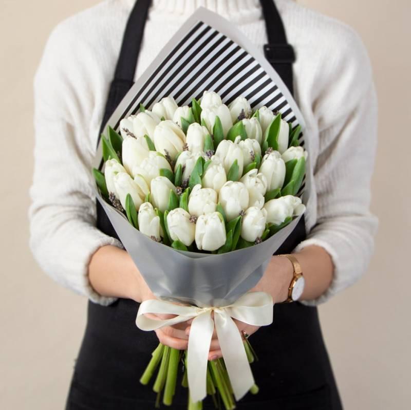 Тюльпаны и лаванда
