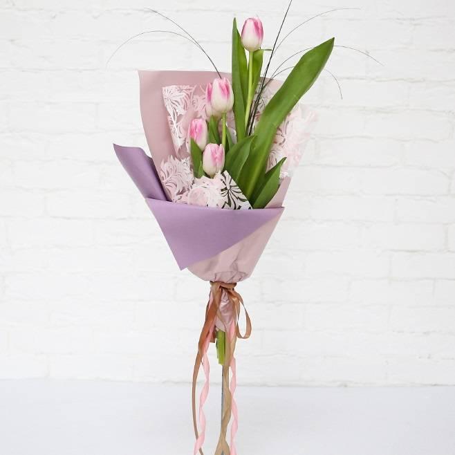 Букет из 5 розовых  тюльпанов