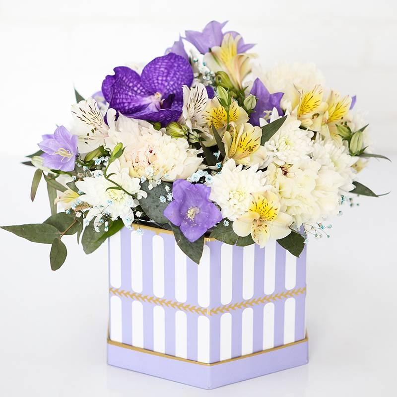 Букет в коробке с орхидей