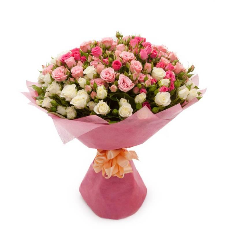 """Букет с мелкоцветными (кустовыми) розами """"Чистая красота"""""""