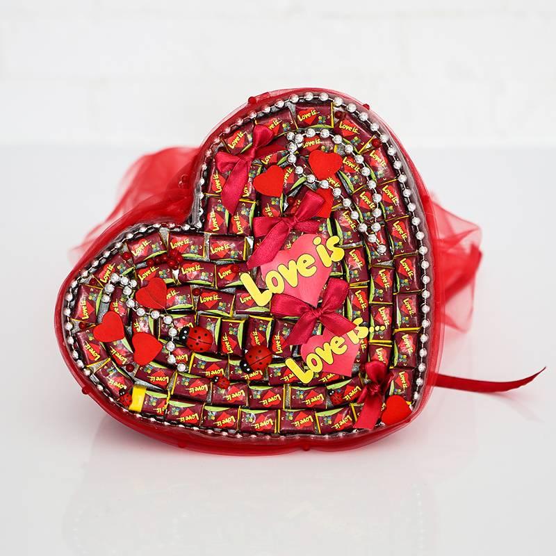 """Букет из жевательных резинок XXL """" Love is..."""""""