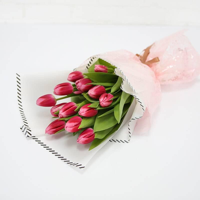 Букет из 15, 19 и 25 розовых тюльпанов