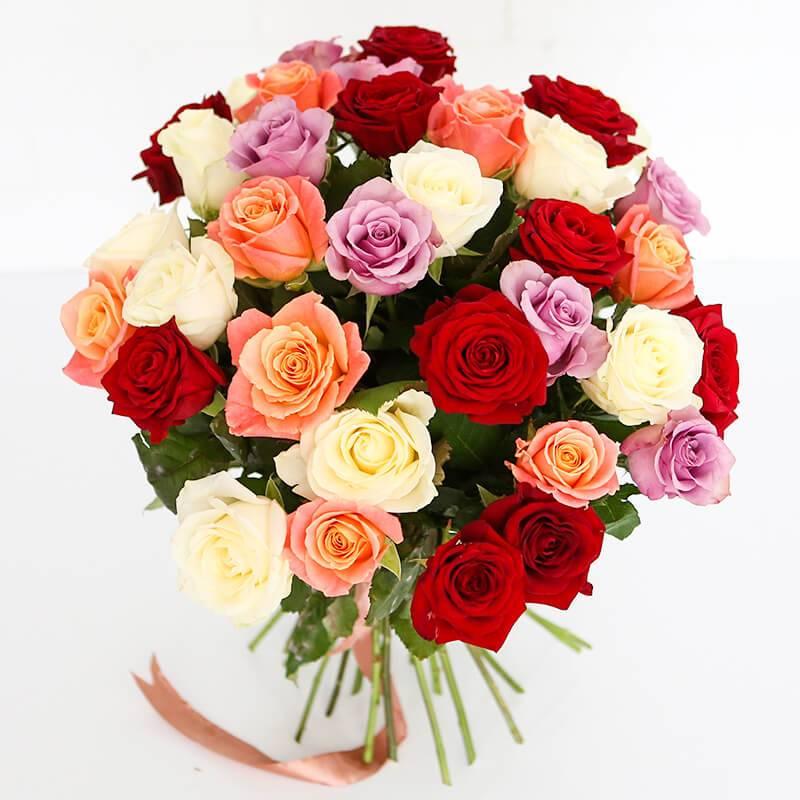 Букет из 19, 25 или 35 разноцветных роз