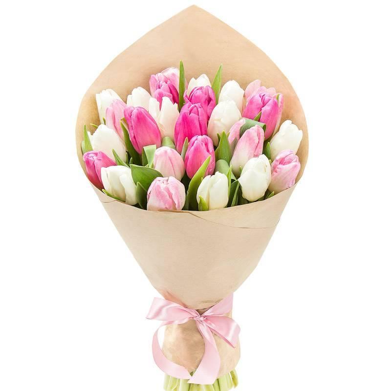 Букет из 19 тюльпанов.