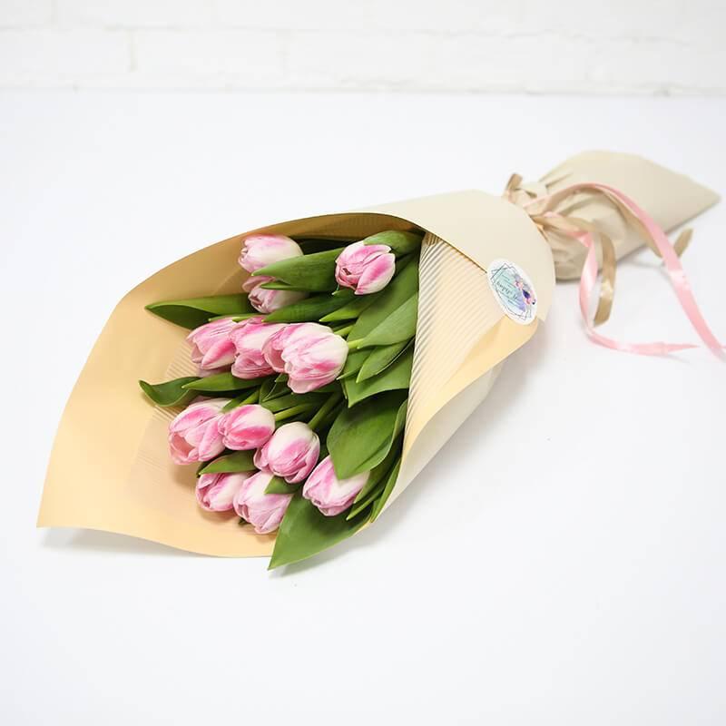 Букет из 15 нежно розовых тюльпанов