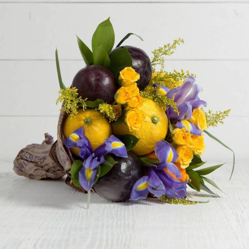 """Букет из фруктов и цветов """"Фантазия"""""""