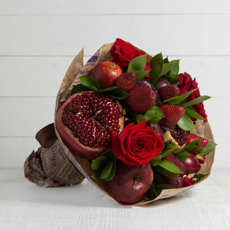 Букет из фруктов и цветов Фаворит