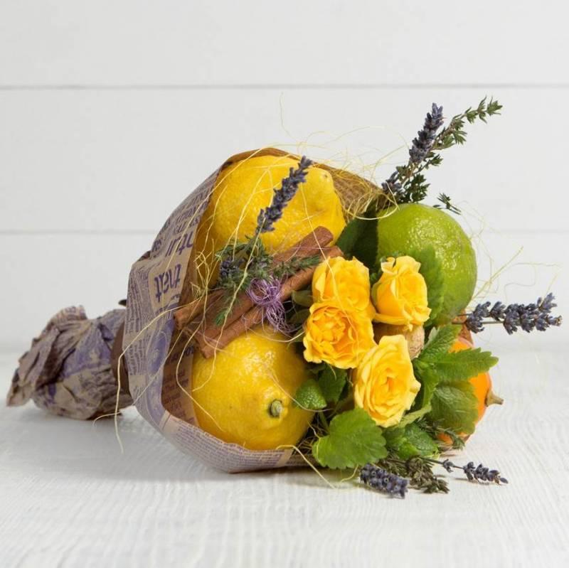 """Букет из фруктов и цветов """"К чаю"""""""