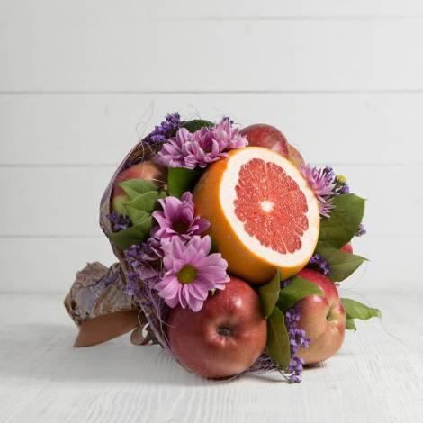 """Букет из фруктов и цветов """"Очарование"""""""