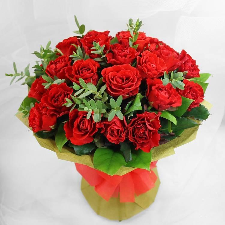 """Букет из красных роз """"Горячий"""""""