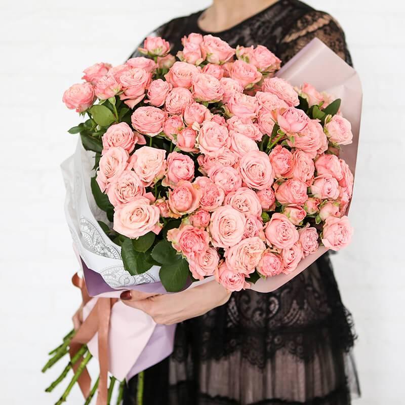 """Букет из розовых кустовых роз  """"Bombastik"""""""
