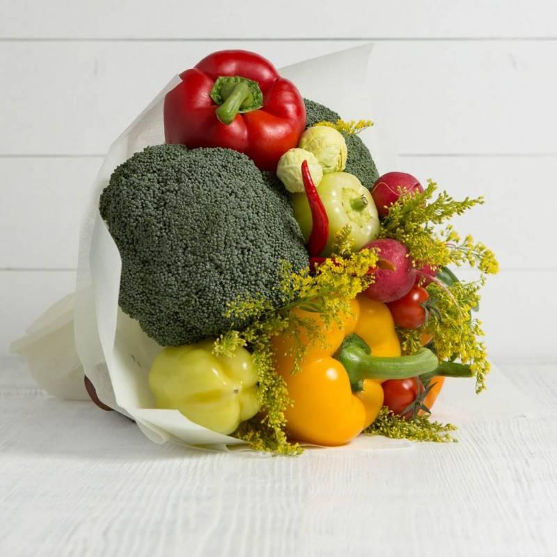 """Букет из овощей и цветов """"Витаминный коктейль"""""""