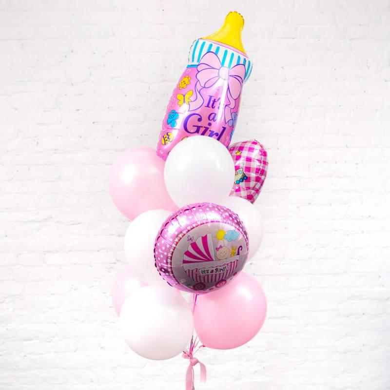 Связка из воздушных шариков на выписку для девочки