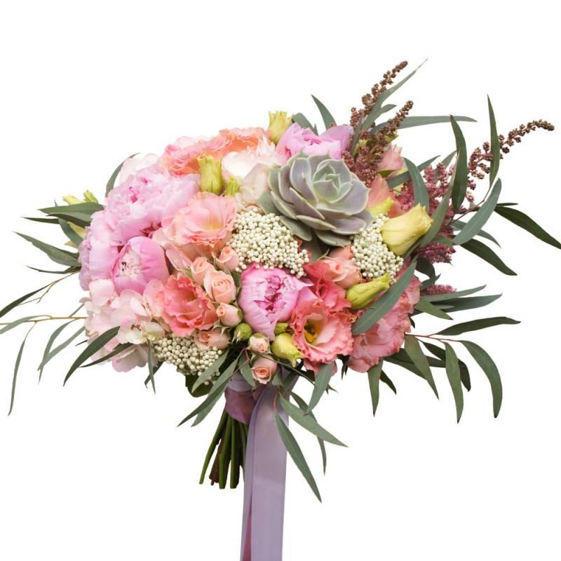 Букет невесты и пионовидными розами, эустомой и суккулентом