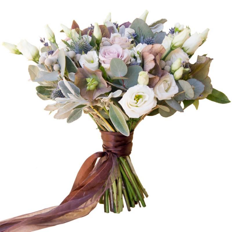 Букет невесты с лизиантусом, розами и брунией.