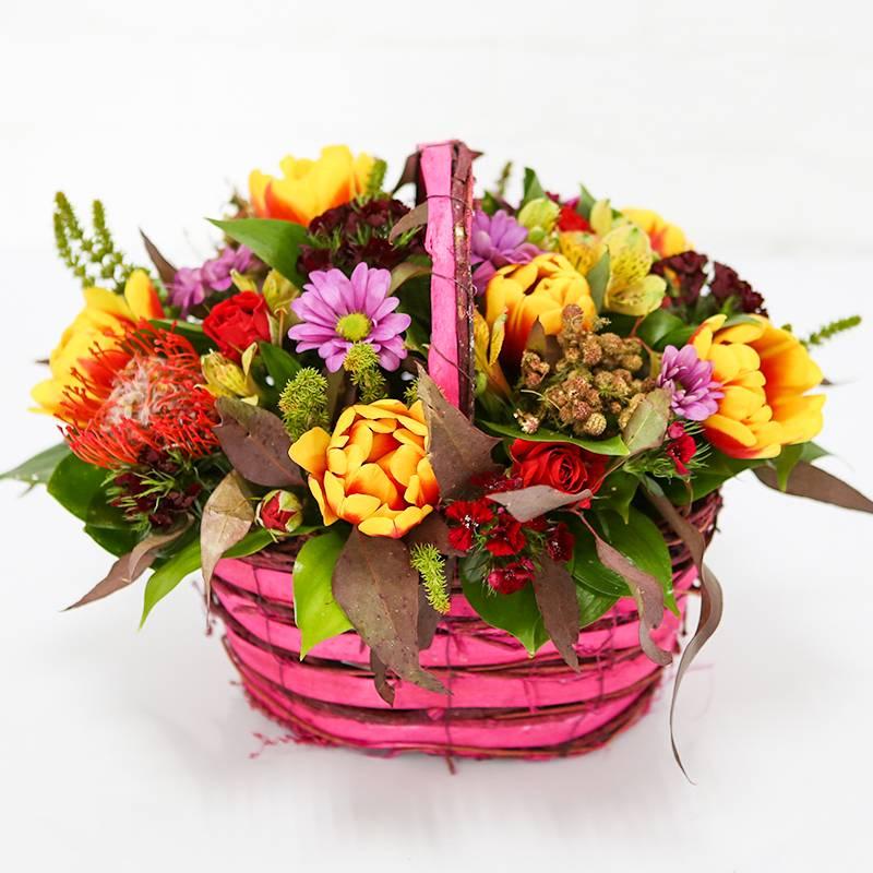 """Букет цветов в корзинке """" Аромат весны"""""""