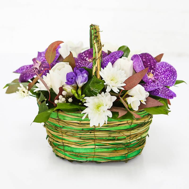 """Букет цветов в корзинке  """"Ванда"""" с печеньем"""