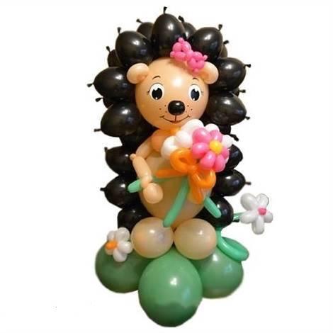 Фигура из шаров Ёжик девочка с букетом