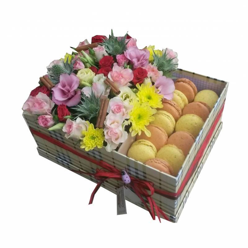 Макаронс с цветами и корицей