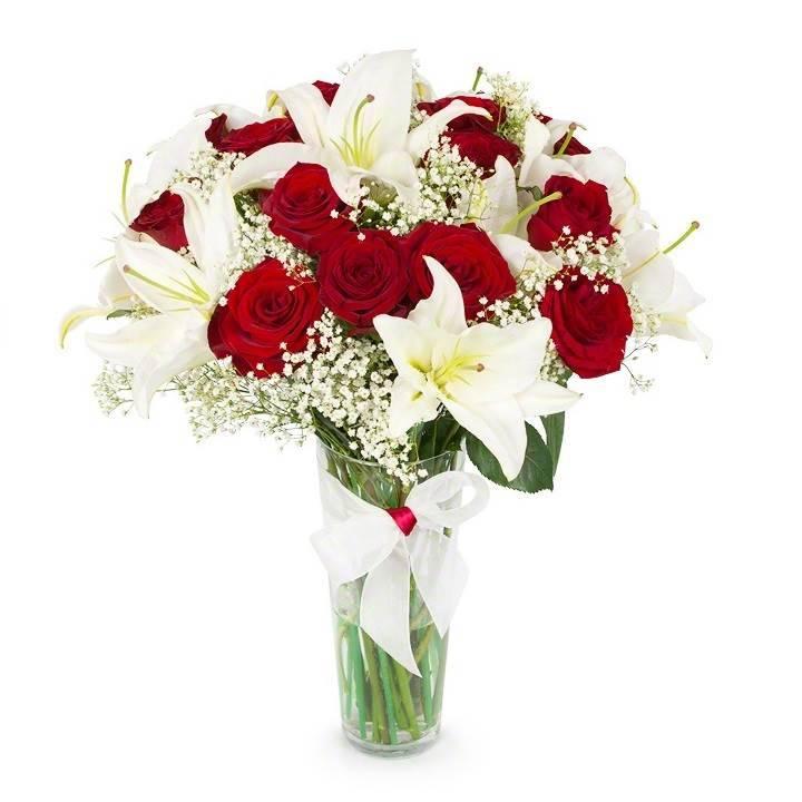 """Букет из лилий и красных роз """"От кутюр"""""""