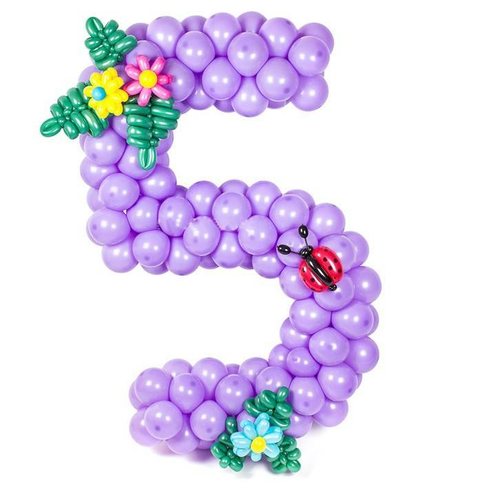 "Цифра ""5"", плетённая из шаров"