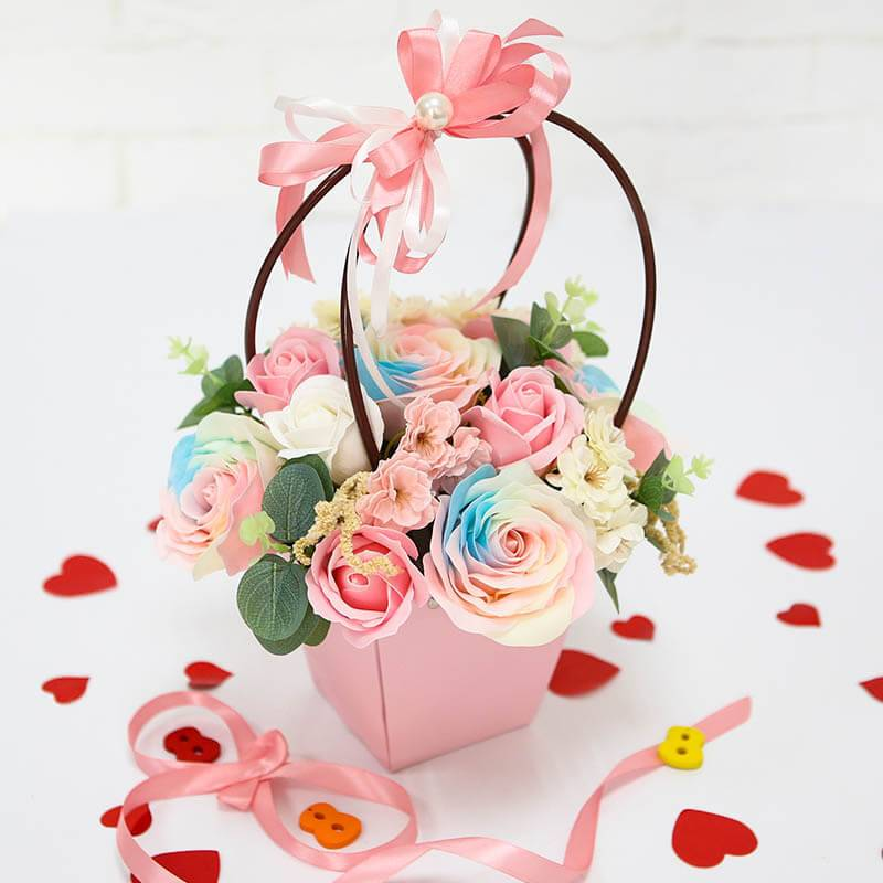Букет из мыльных роз в сумочке