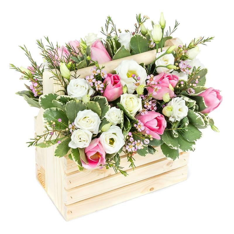 """Композиция из цветов в деревянном ящике """"Нежность"""""""