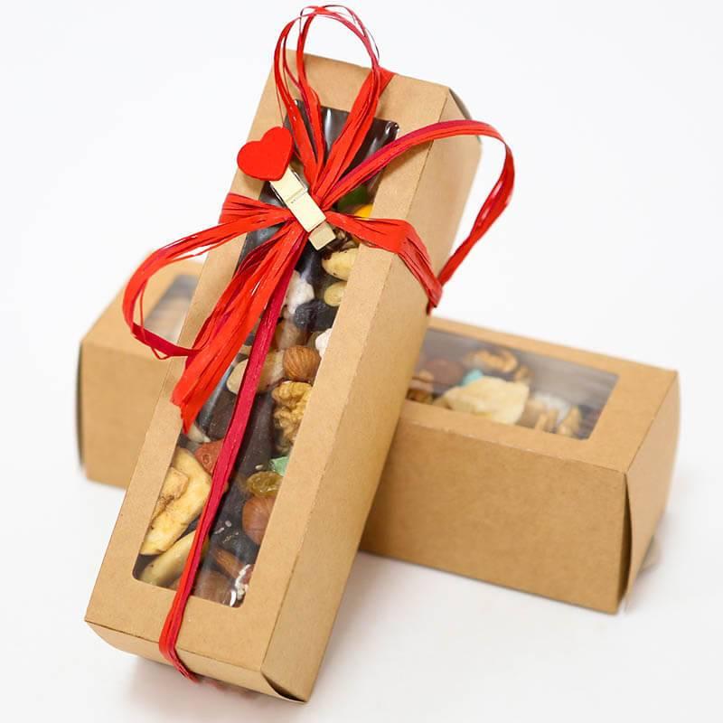Ассорти орехов в подарочной коробке