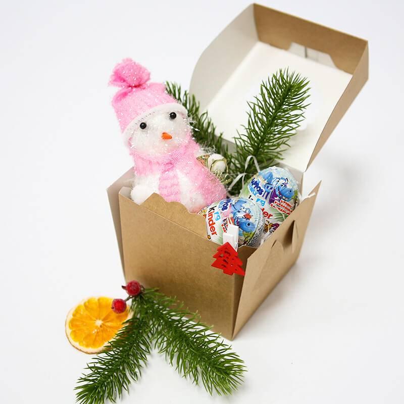 Мини набор Kinder и новогодней игрушкой