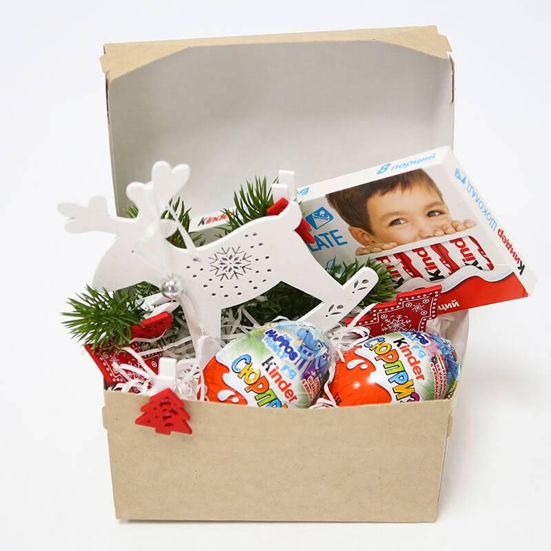 """Мини набор с Киндер шоколадом и Эко игрушкой """"Новогодний сюрприз"""""""