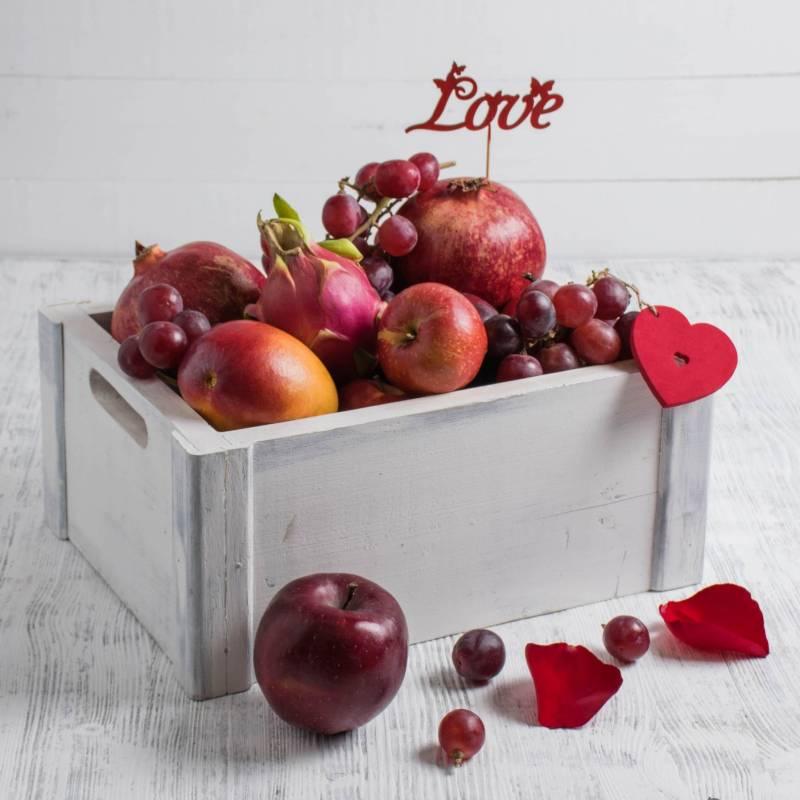 """Набор фруктов  """"7 оттенков красного"""", средний"""