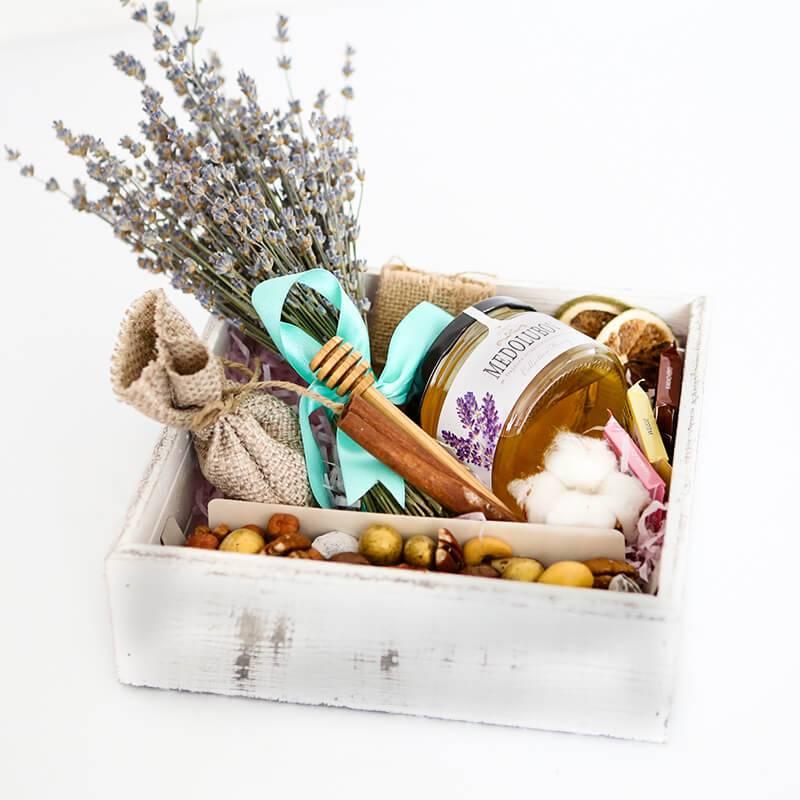 Подарочная корзина «Ароматы лаванды»