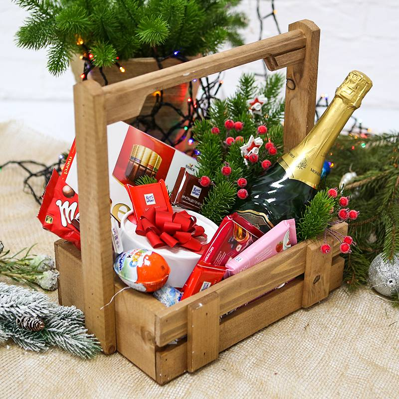 Подарочный набор с конфетами и алкоголем