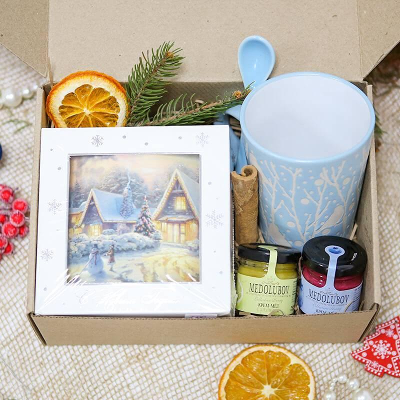 Подарочный набор с кружкой и чаем