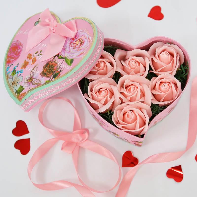 Сердце с розовыми мыльными розами