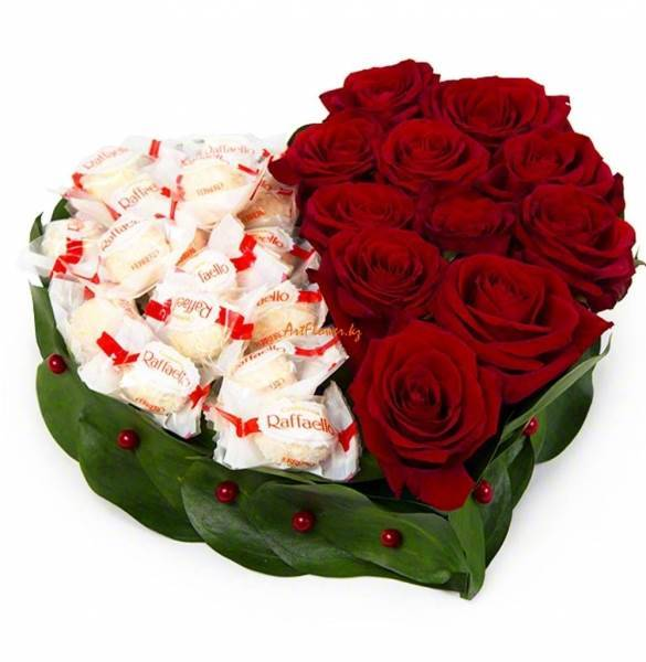 """Сердце из роз с конфетами """"Сердце дивное"""""""