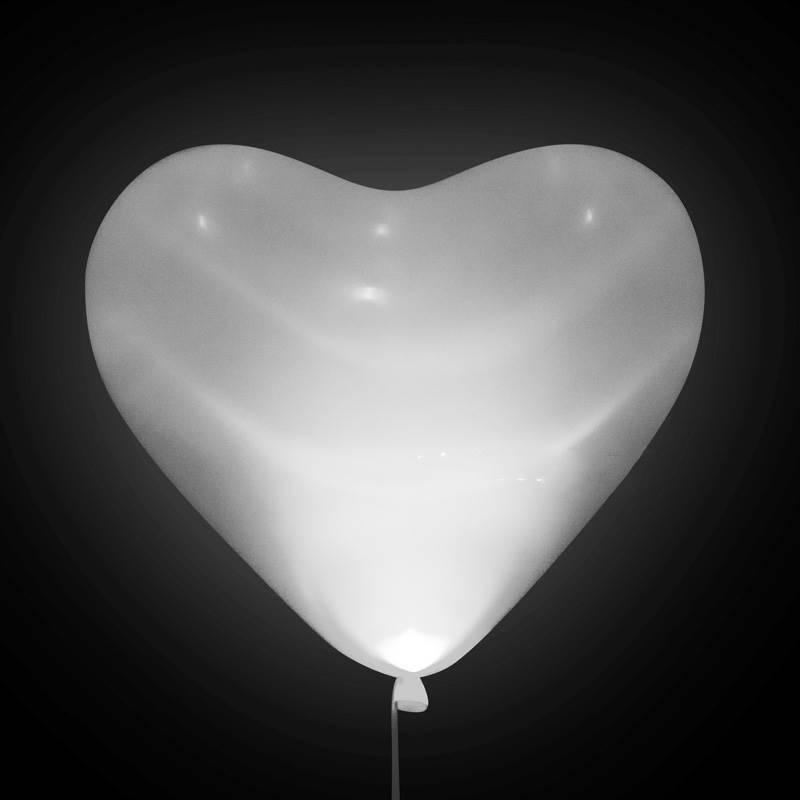"""Шар светящийся в темноте """"Сердце белое"""""""