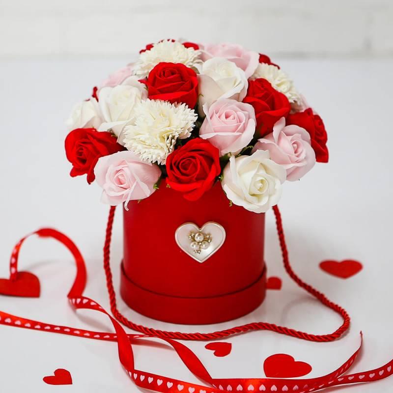 """Шляпная коробка с розами из мыла """"Романтик"""""""