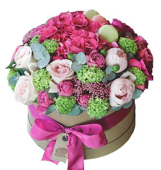 "Шляпная коробка с цветами ""Экзотика"""