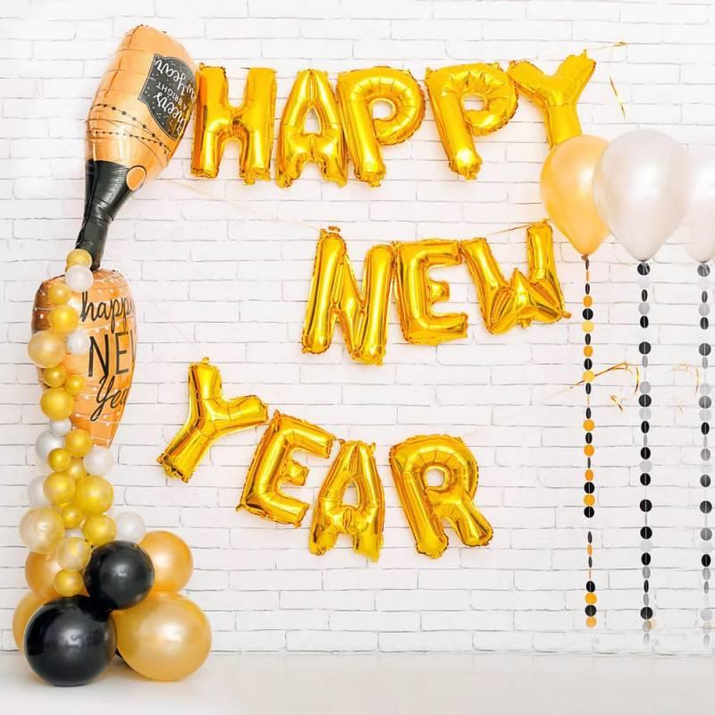 Стильное новогоднее оформление воздушными шарами