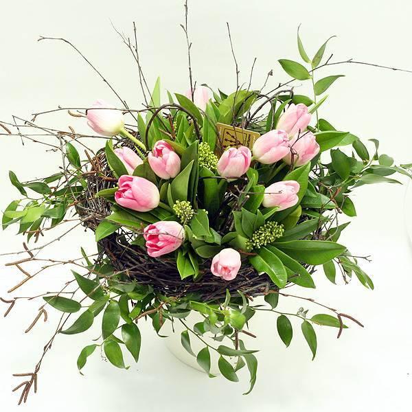 """Букет из тюльпанов """"Ласточкино гнездо"""""""
